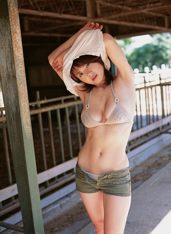 guess attraction attracted race lived japan date japanese girl date